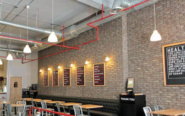 6 low cost ideas for restaurant interior design makeover for Tavoli design low cost