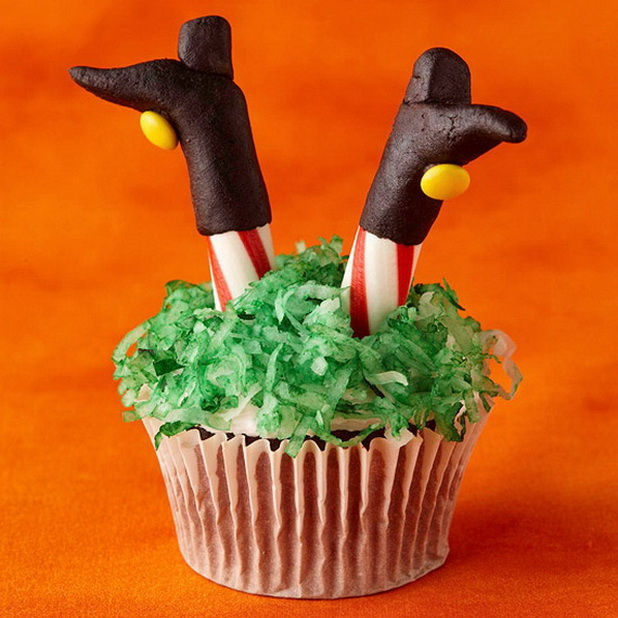 creative halloween cupcake decorating ideas_11 - Halloween Bakery Ideas