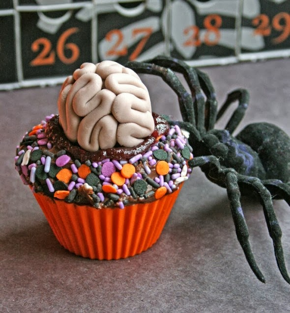 Spooky-halloween-cupcake-decorations_10
